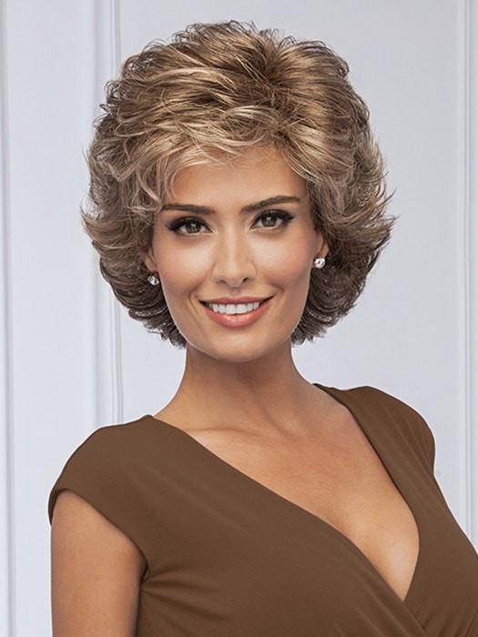 High End Women Short Wavy Synthetic Wig Basic Cap